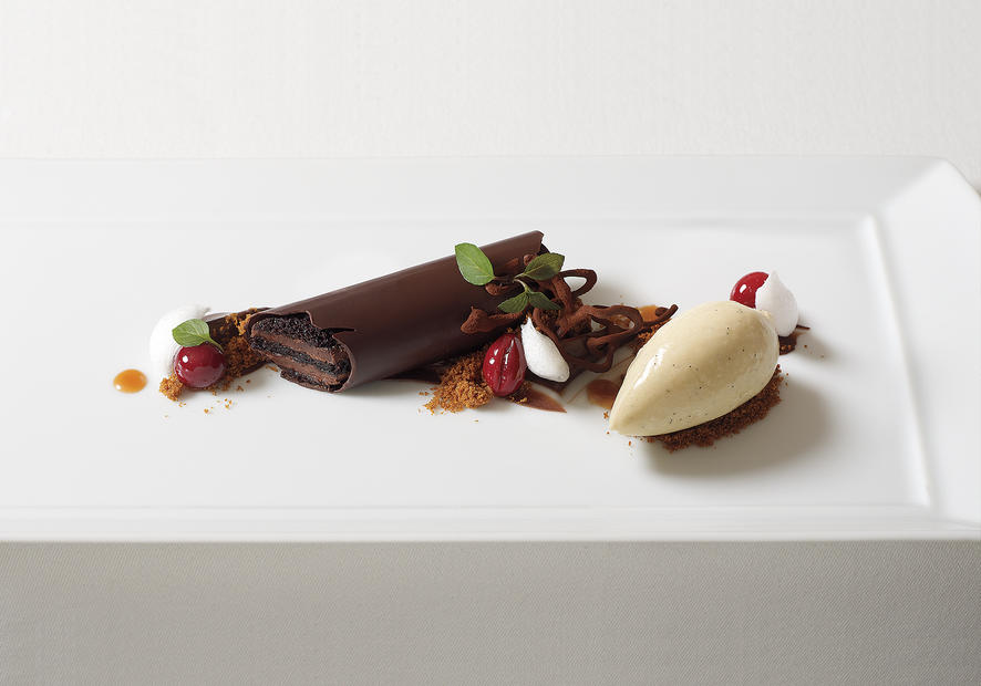 Chocolate tart with ice cream